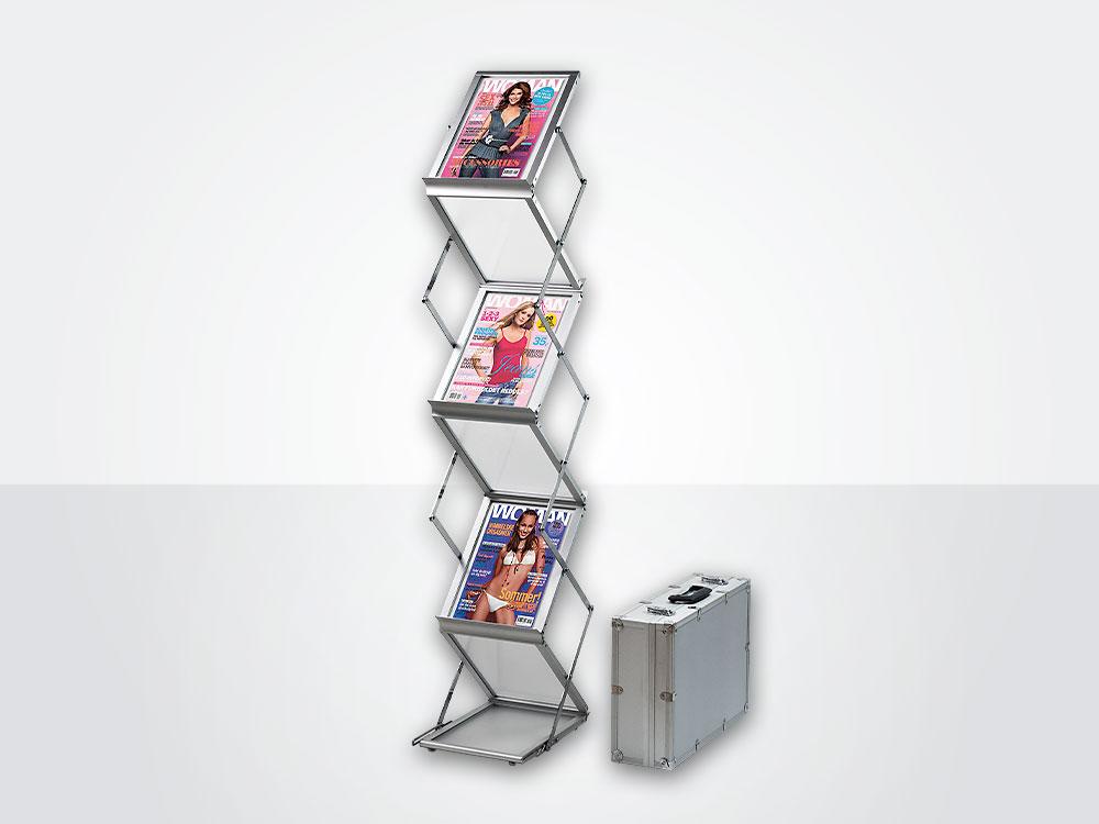 Fleksibelt brosjyrestativ pakkes enkelt ned i medfølgende koffert.