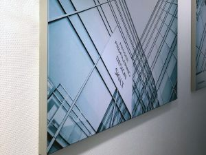 Detaljbilde-tekstilramme-aluramme