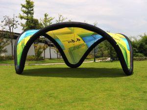 Selvstående-oppblåsbart-telt-buet